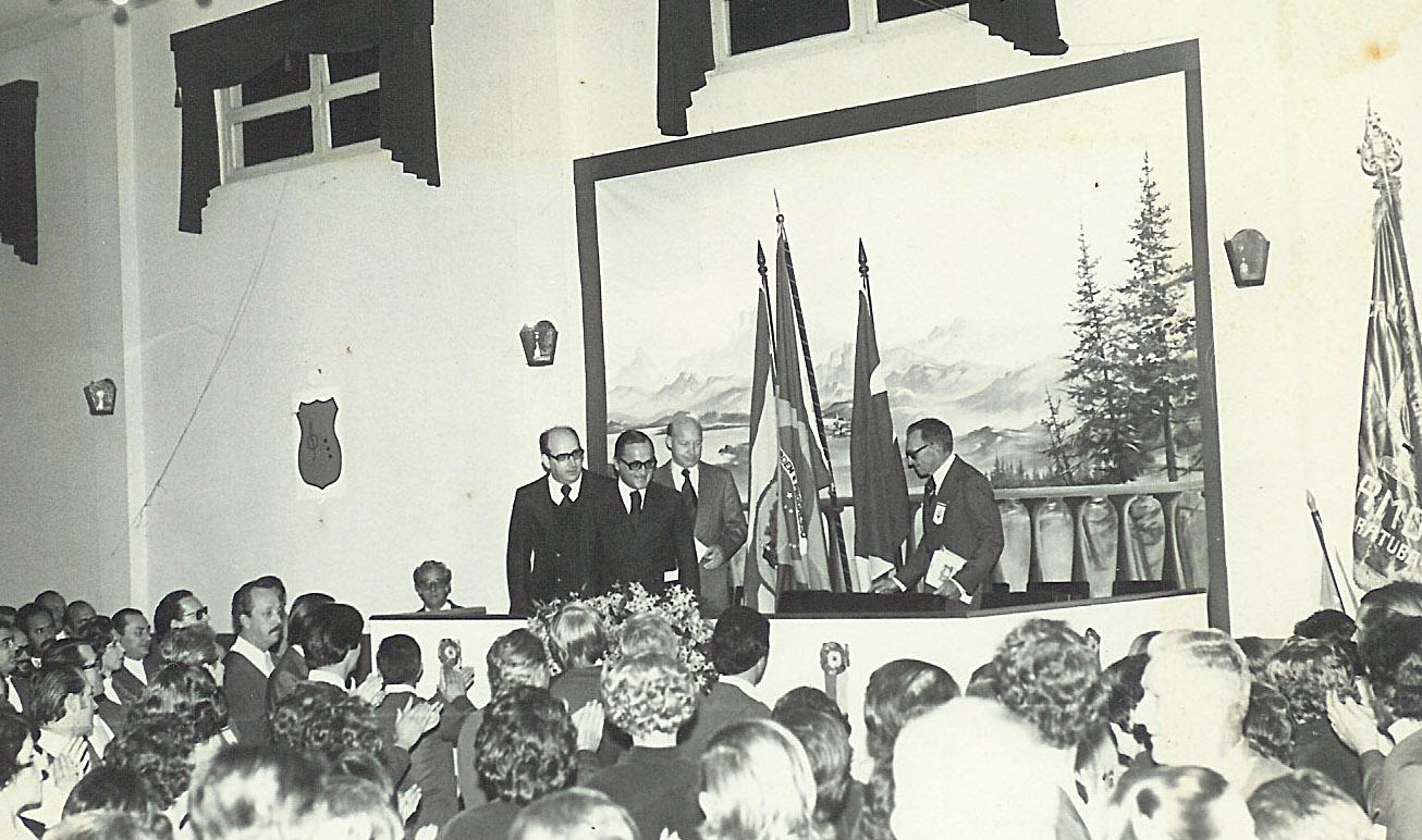 e4d43c5d80 C. C. 25 de Julho de Blumenau  Um Clic - Foto Histórica - Governador ...