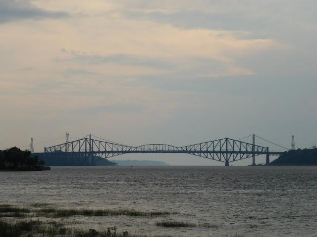 Pont de Québec vu de la terrasse de Lévis