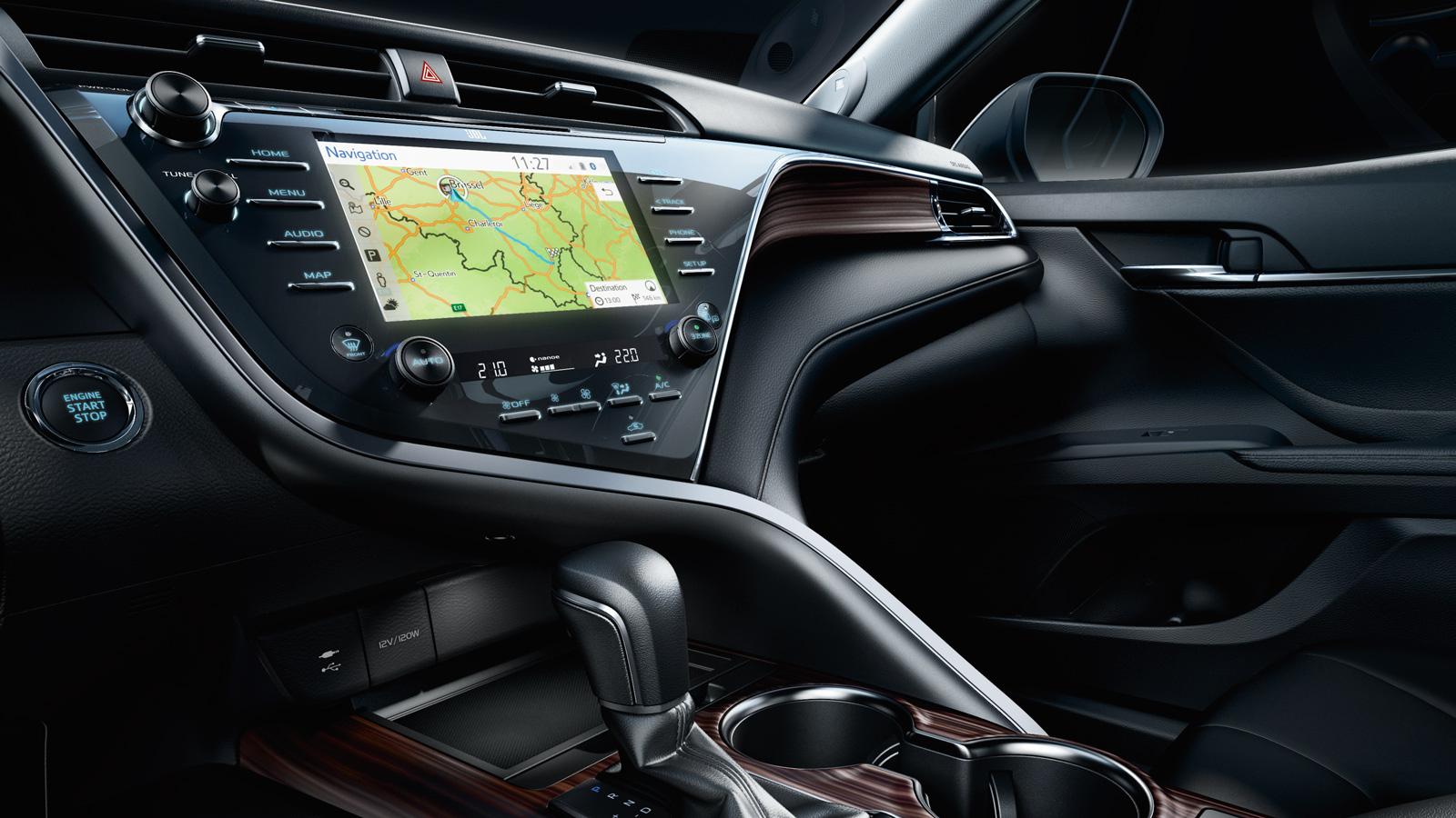 Мультимедиа Toyota Camry 2018