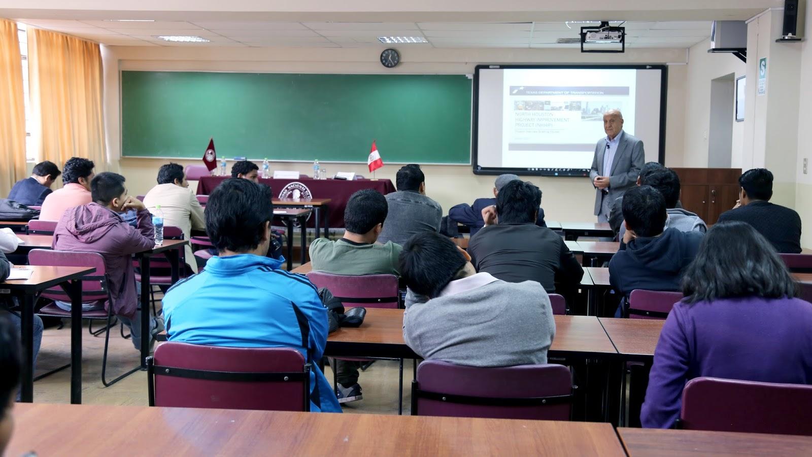 """Se realizó conferencia magistral sobre """"Mejoramiento de la Autopista del Norte de Houston – Texas"""""""
