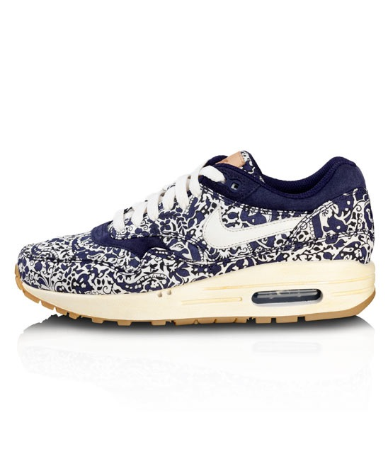reputable site 4c28c 1ad93 Do you like my new Liberty Nike Air Max  When Phoebe Philo wears an item,  you know it s the epitome of effortless style. I may not be able to afford  Celine ...