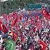 Σόου Ερντογάν στην Κωνσταντινούπολη με 5 εκατομμύρια οπαδούς του για την επέτειο της απόπειρας πραξικοπήματος - ΦΩΤΟ