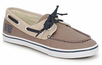 8d533dd8e01 Bootschoenen zijn echt schoenen die bedoeld zijn om op een boot te dragen.  Tenminste, zo zijn bootschoenen aanvankelijk bedoeld.