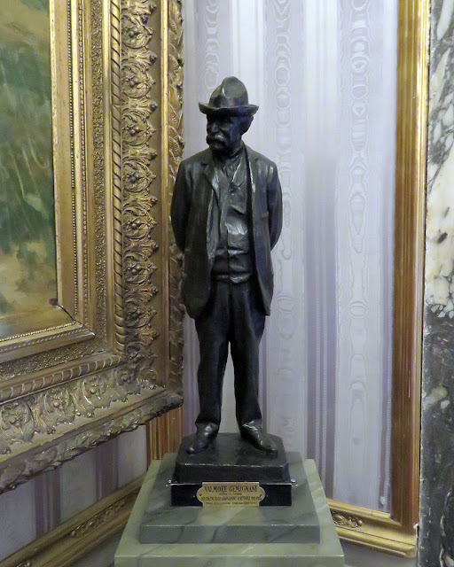 Model of the statue of Giovanni Fattori by Valmore Gemignani, Palazzo Pitti, Florence