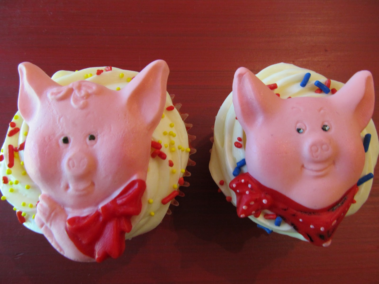 Decorate The Cake: Pigs, Bacon and more!