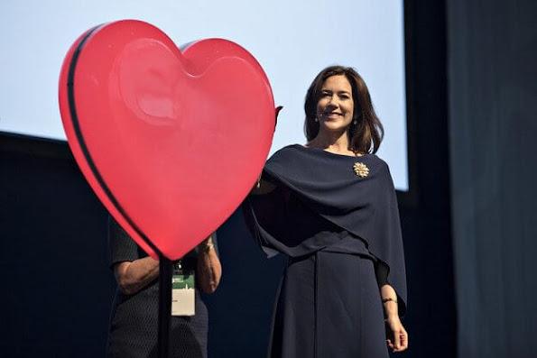 Princess Mary Massimo Dutti blazer