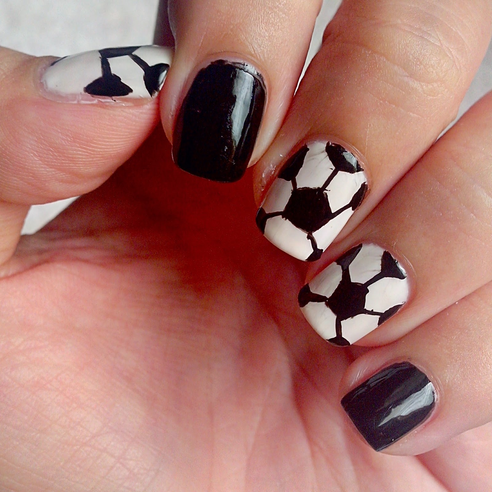 Judy's Little Obsessions :  NAIL ART: Soccer Ball