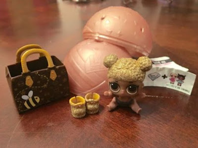 L.O.L. Surprise Lil Sisters Series 2 Gold Ball Queen Bee