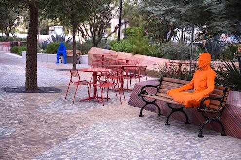 nathan-sawaya-arte-artista-obras-escultor-escultura-lego-the-art-of-the-brick-entrevista-interview-fine-artist-works-human-figure-phrases-frases-citas-contemporaneo-exposition-exposiciones-foto-photo-imagen-picture