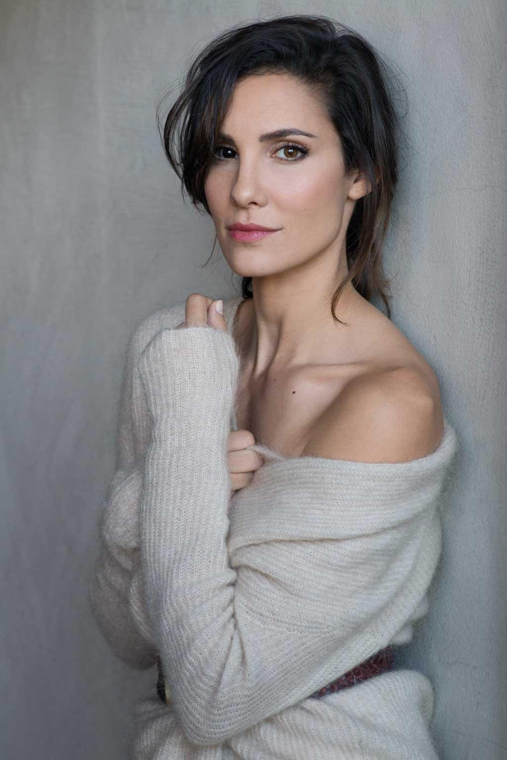 Daniela Ruah Nude Photos 30