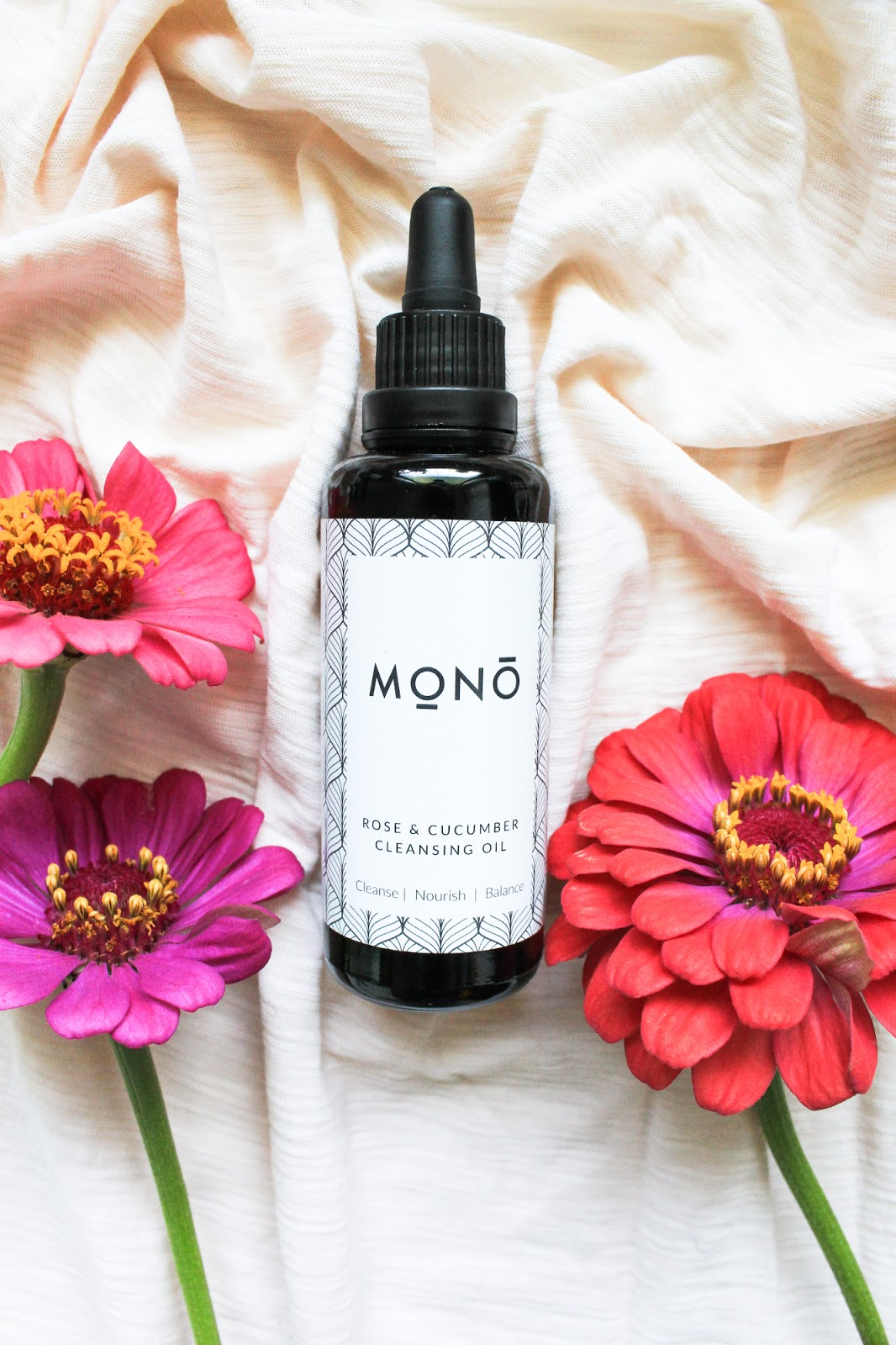 Mono Naturoils Rose & Cucumber Cleansing Oil. Ethical, vegan, organic, natural, infused with crystals, clear quartz