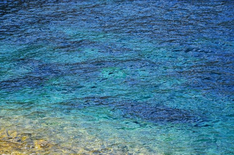 """""""La mer qu'on voit danser le long des golfes clairs..."""" Charles Trenet"""
