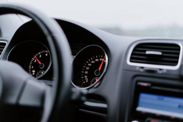 Bahaya Sebaiknya Jangan Nyalakan AC Mobil Saat Mesin Baru Hidup