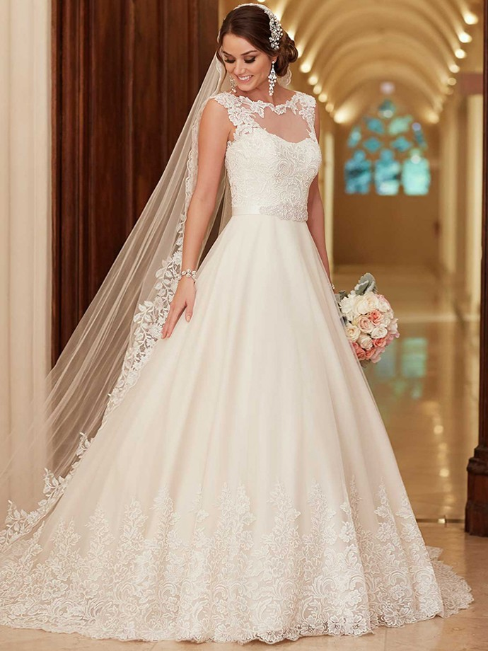 http://www.dressfashion.co.uk/product/scoop-neck-organza-appliques-lace-lace-up-ball-gown-wedding-dress-ukm00022338-14412.html?utm_source=minipost&utm_medium=1173&utm_campaign=blog