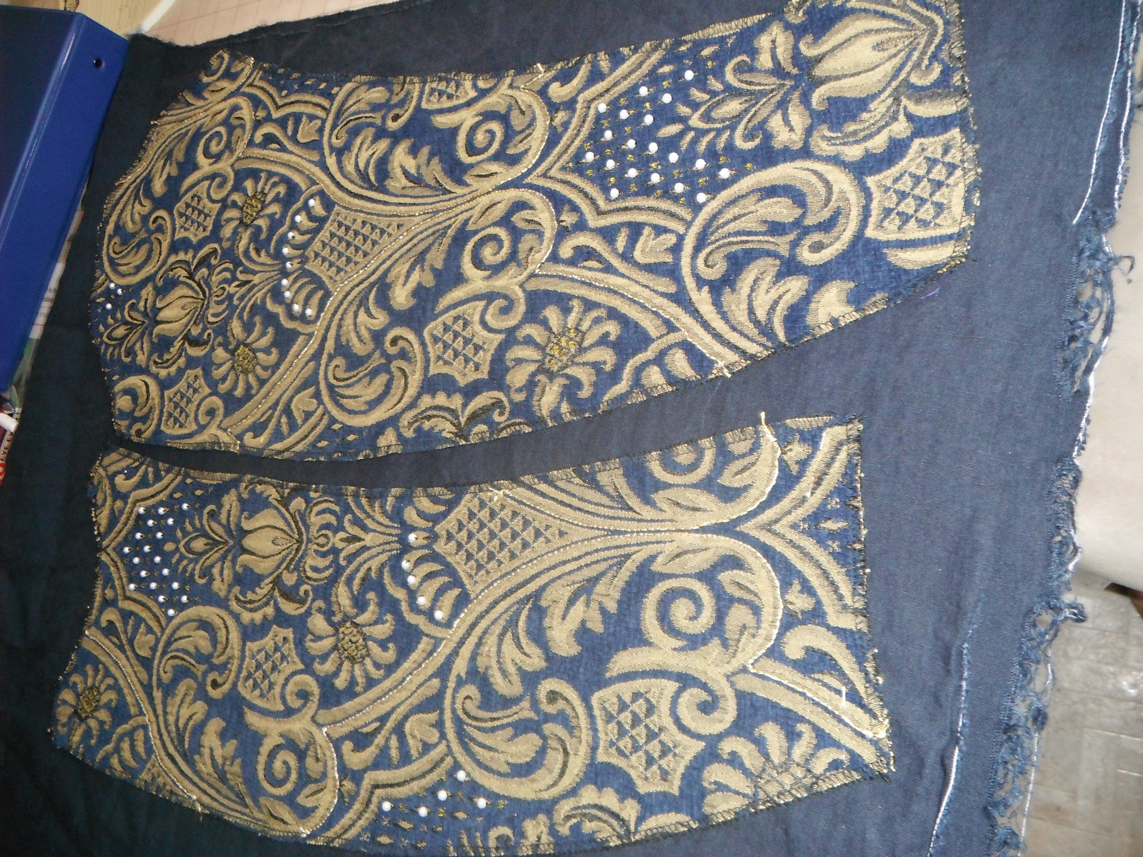 The Tudor Revolution: Loose-bodied Kirtle