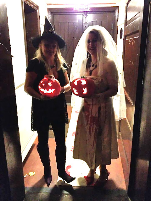 madmumof7 and friend in Halloween costumes