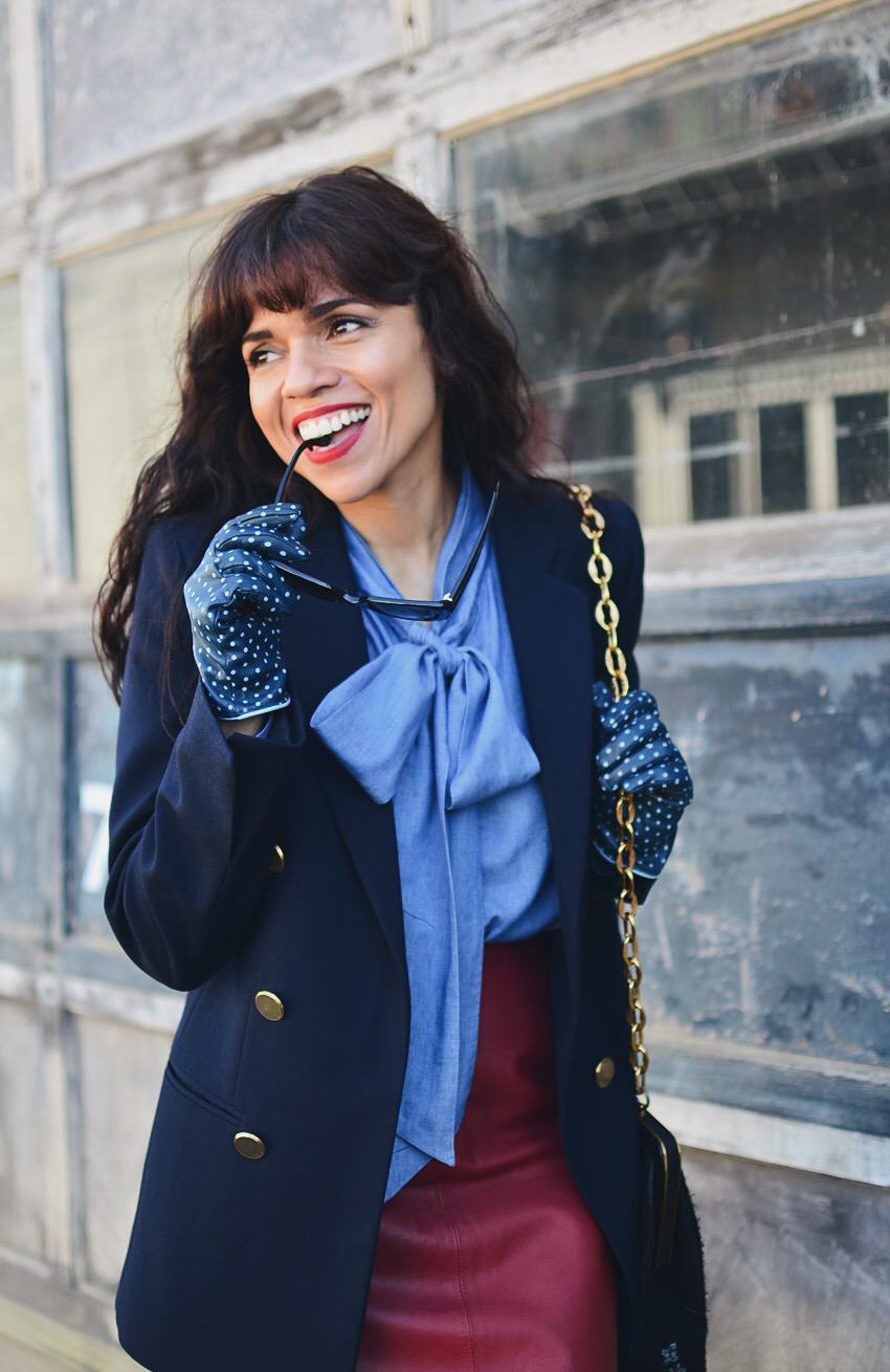 Leather gloves street style