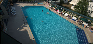 hegsagone-otel-açık-yüzme-havuzu-gebze-civarı-oteller