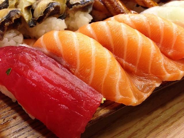 sushi adalah makanan khas jepang
