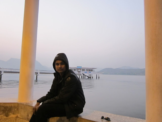 in fateh sagar lake