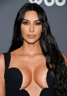 Kim Kardashian Hot Cleavage Pics