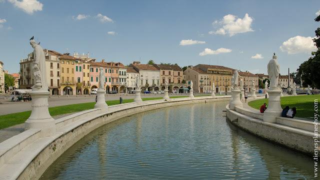 Pratto della Valle Padua plazas mas grandes Europa Italia viaje