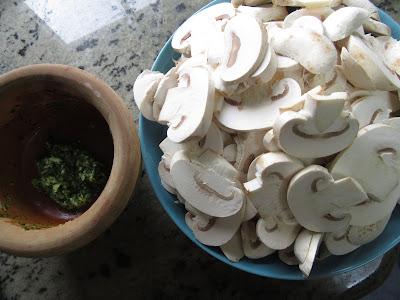 Champiñones en salsa de pimentón olla GM.