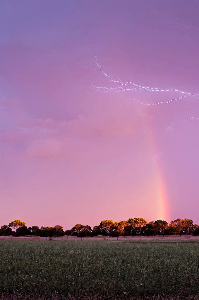 Rainbow Lightning Natures Astonishing Bow And Arrow Kuriositas