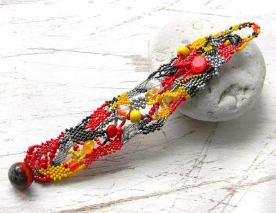 купить украшения из бисера ручной работы браслет на руку подарок