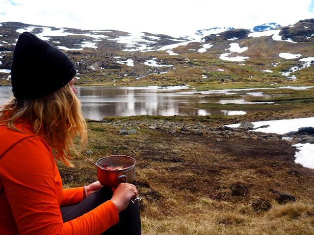 Oběd, jídlo v národním parku Jotunheimen, co jíst na desetidenním treku