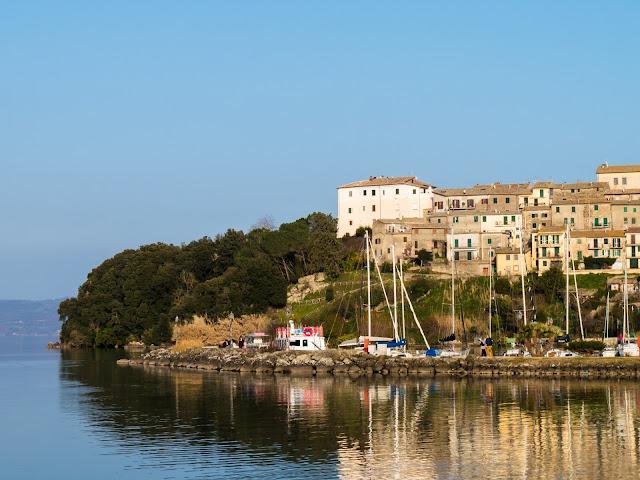The tiny fisherman's port at Capodimonte