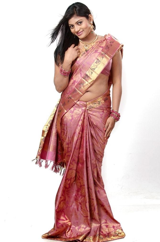 desi hot sexy Sowmya telugu model hot photos in saree