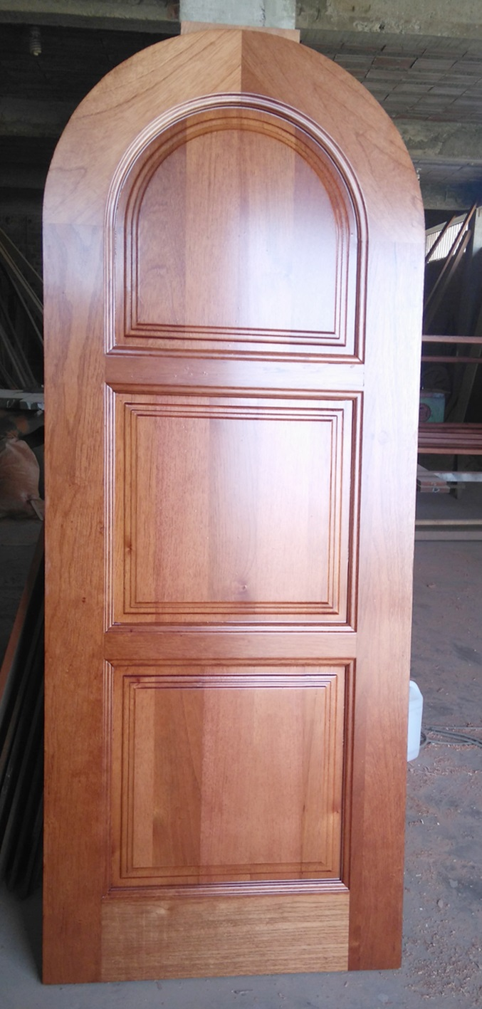 Puerta de madera para exteriores en Lima | Carpintero en Lima