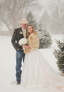 off-season-winter-wedding-dress-ideas