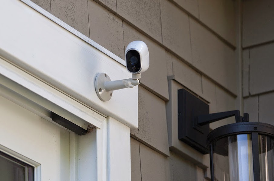 Wireless Outdoor Security Cameras Monitor