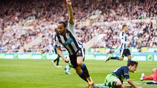 Cầu thủ Townsend đã cùng đội bóng Newcastle giành chiến thắng.