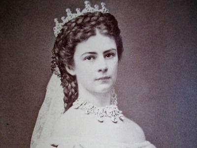 İmparatoriçe Elisabeth Yüz Güzelliği İçin Kullandığı Yöntem