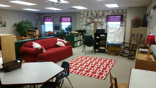 9 1/2 weeks to set up a classroom? Here is the end result....our classroom reveal!