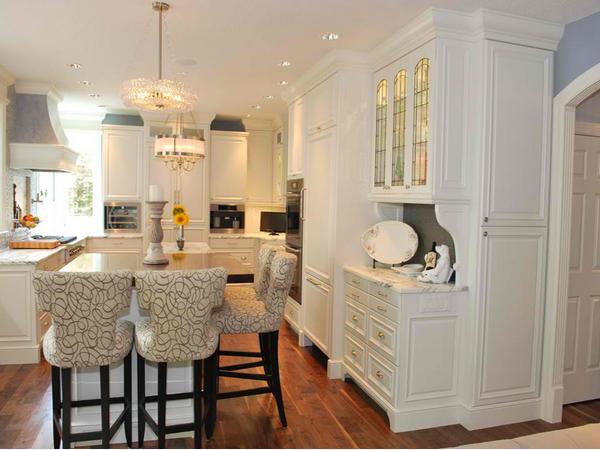 Desain Kursi Dapur Unik dan Modern