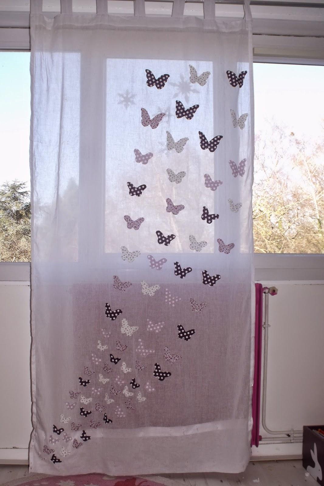 lili joue maman bricole tuto rideau envolee de papillons. Black Bedroom Furniture Sets. Home Design Ideas