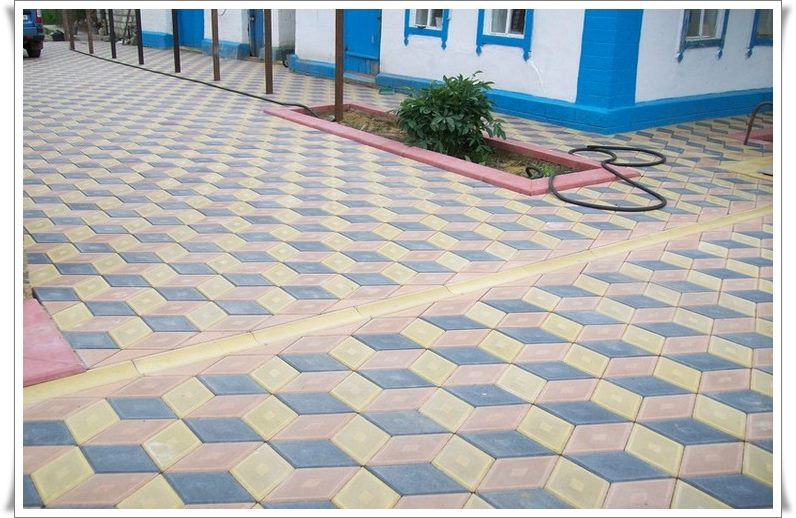 Старая тротуарная плитка