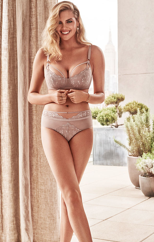 Yamamay Lingerie Fall/Winter 2018 Campaign featuring Kate Upton