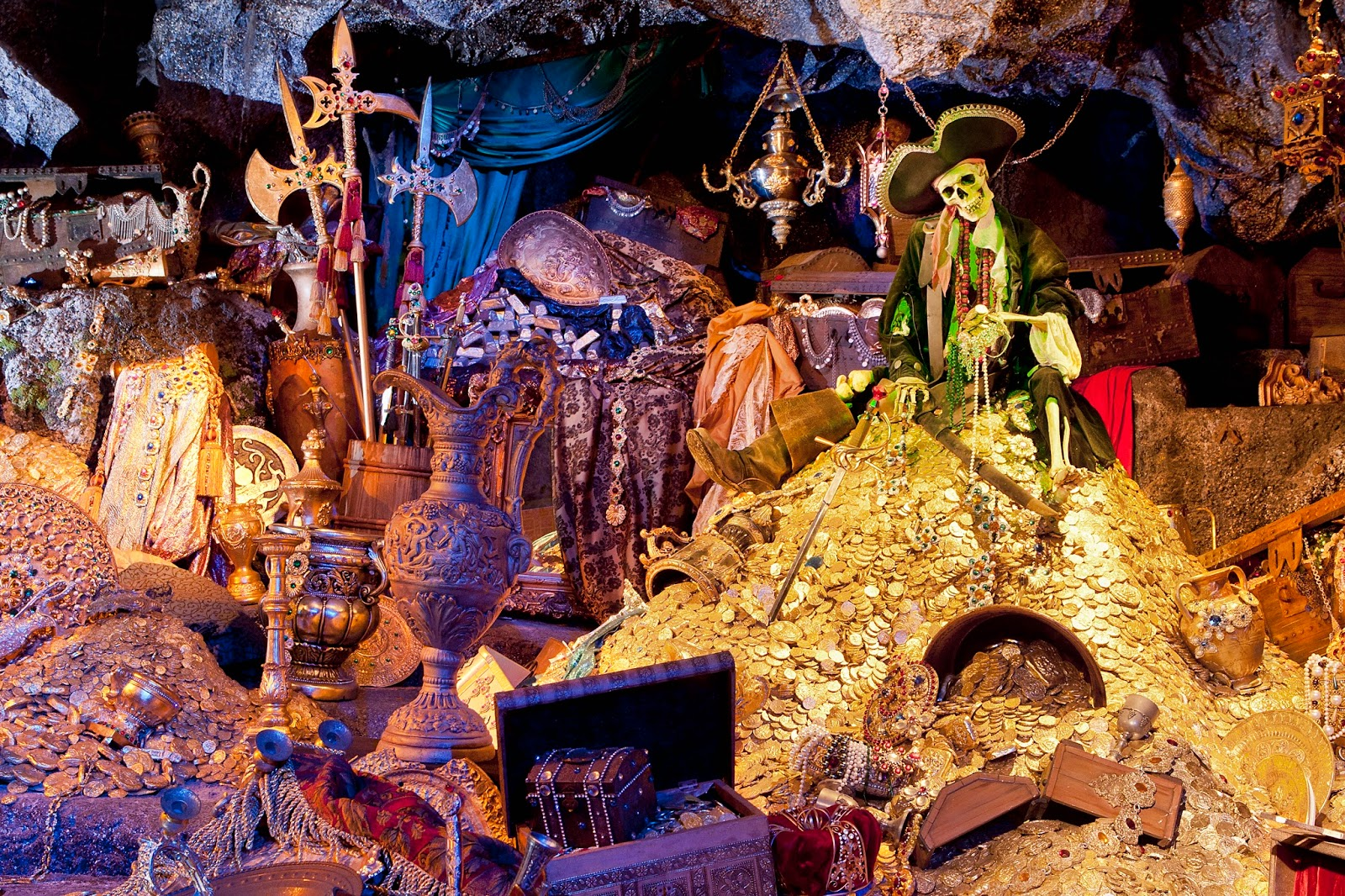 Disney's Pirates of the Caribbean Attraction - Fun Facts ...