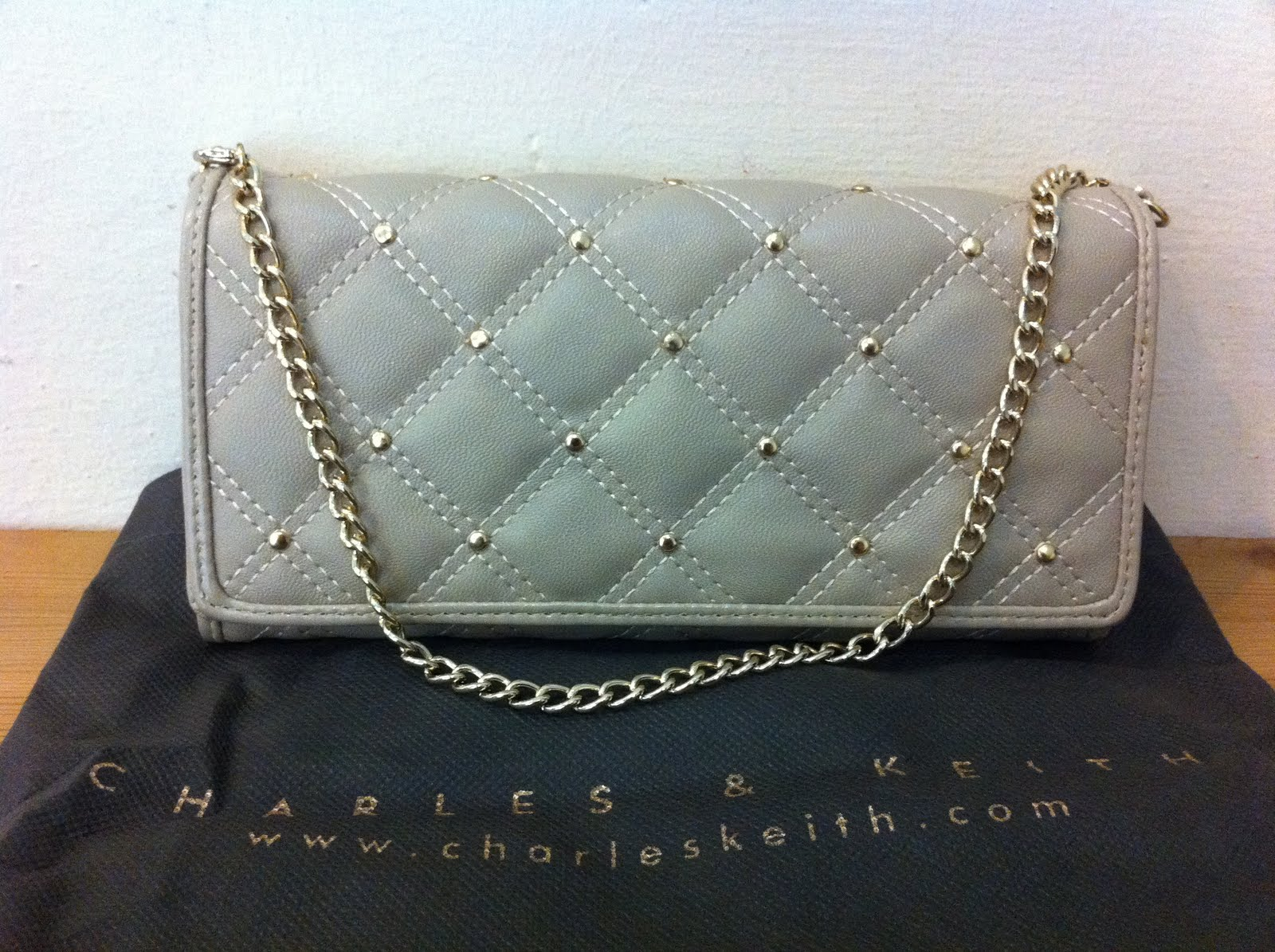 19112b443 THIS IS MY ONLINE CLOSET SELLING BRAND NEW OR ANY PRE-OWNED ITEMS ...