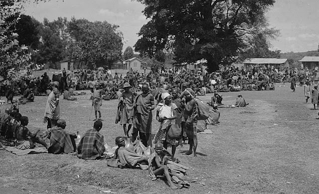 Karantania market day between Nairobi and Nyeri in 1930