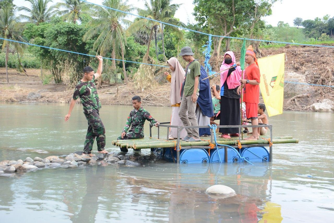 Berkat Rakit Ala TNI dan Organisasi Kepemudaan Jeneponto, Aktivitas Warga dan Pelajar Lancar