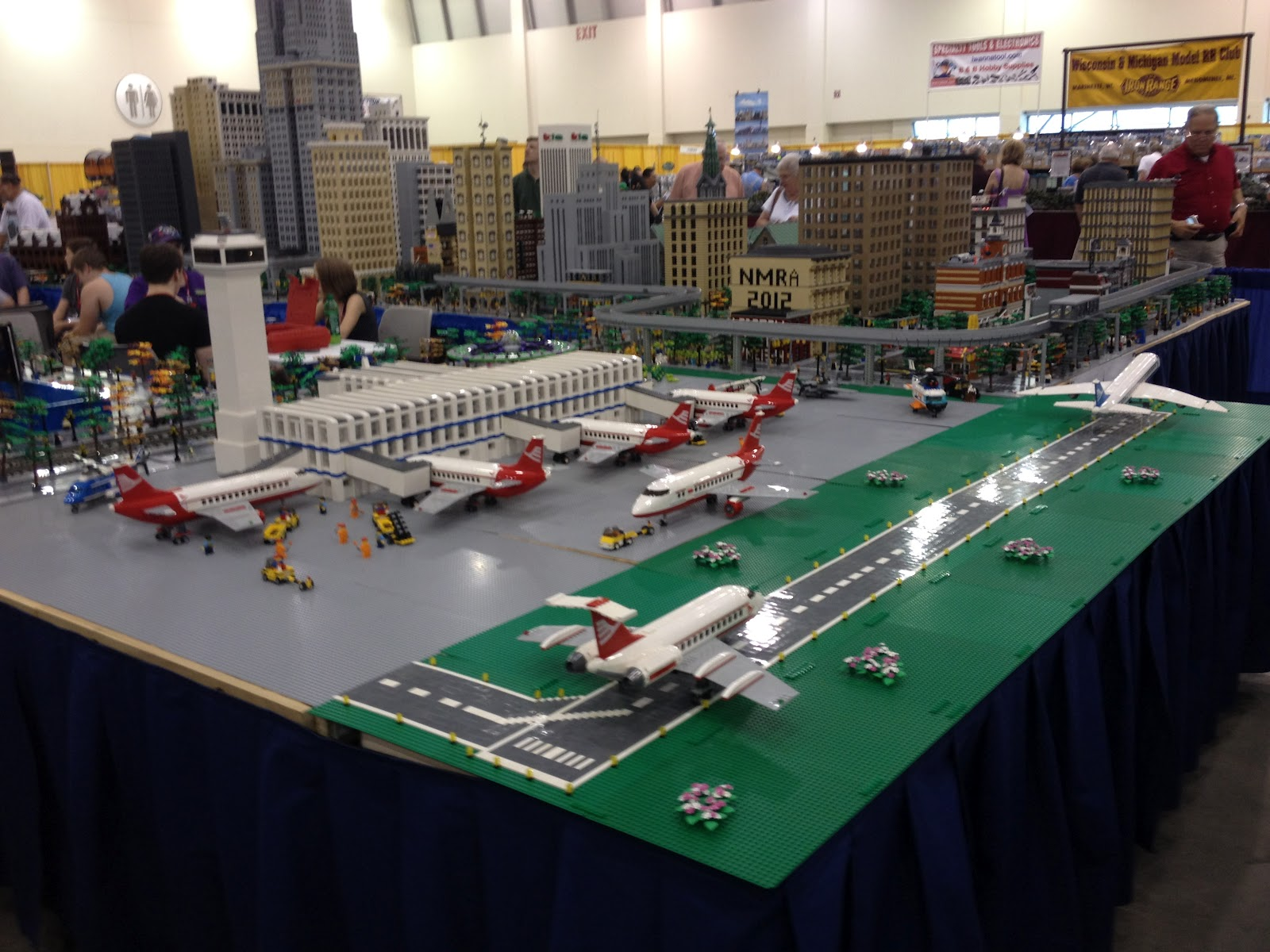 Railroad Empire: Pictures from National Train Show