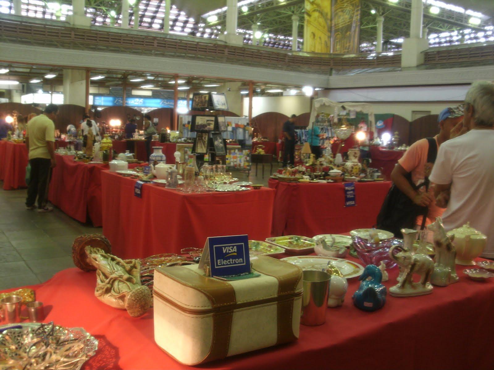 5490ab45b4d Box 29  Feira de Antiquários do Mercado Público de Porto Alegre
