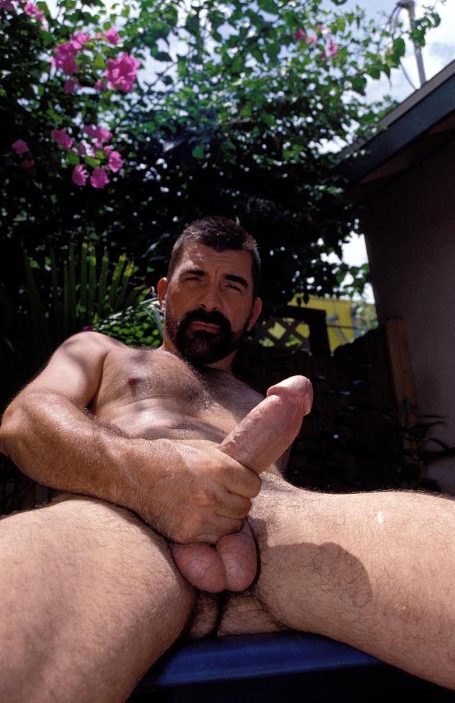 Трахнул дядька с бородой порно дешевые