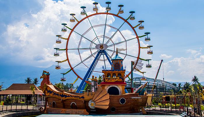 Wahana Cakrawala di Saloka Theme Park